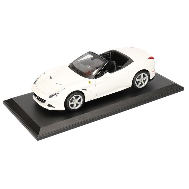 Modelauto Ferrari California T cabrio wit 1:18